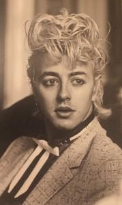 ブライアン・セッツァーの若い時の写真